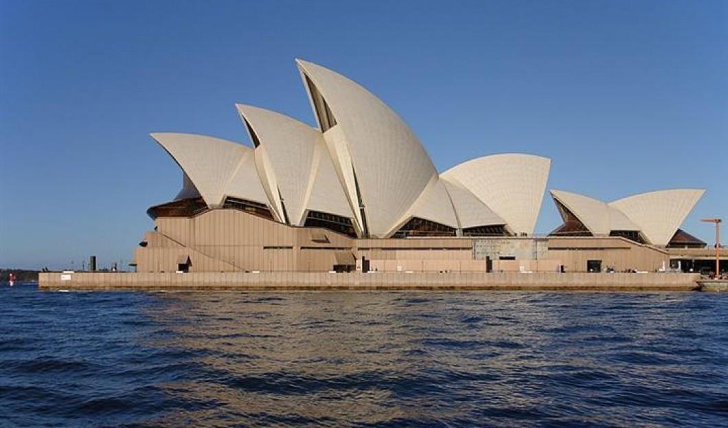 3) La Casa de Opera de Sydney, Sydney, Australia